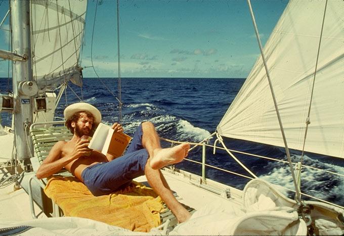 Antoine aboard Om, showing how it's done